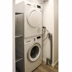 Bosch wasmachine en droger in gestoffeerd appartement Mercuriushof Dr. Schaepmanstraat 143 Assen_1